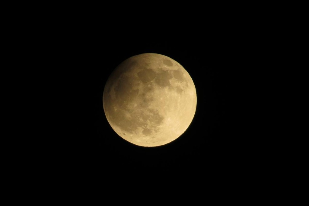 Zatmění Měsíce - čas 21.46