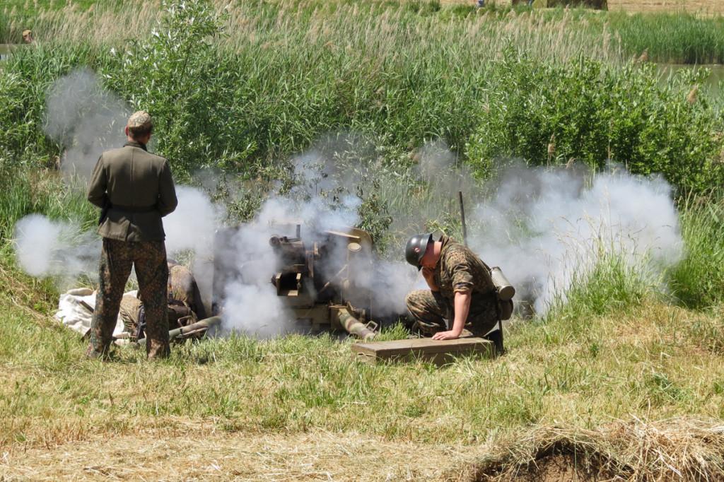 Výstřel z 7,5 cm Panzerabwehrkanone 40