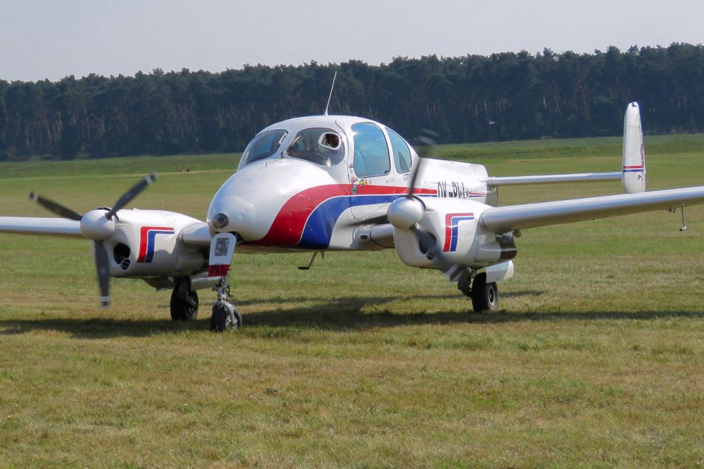 Let L-200D Morava - OK-PLL