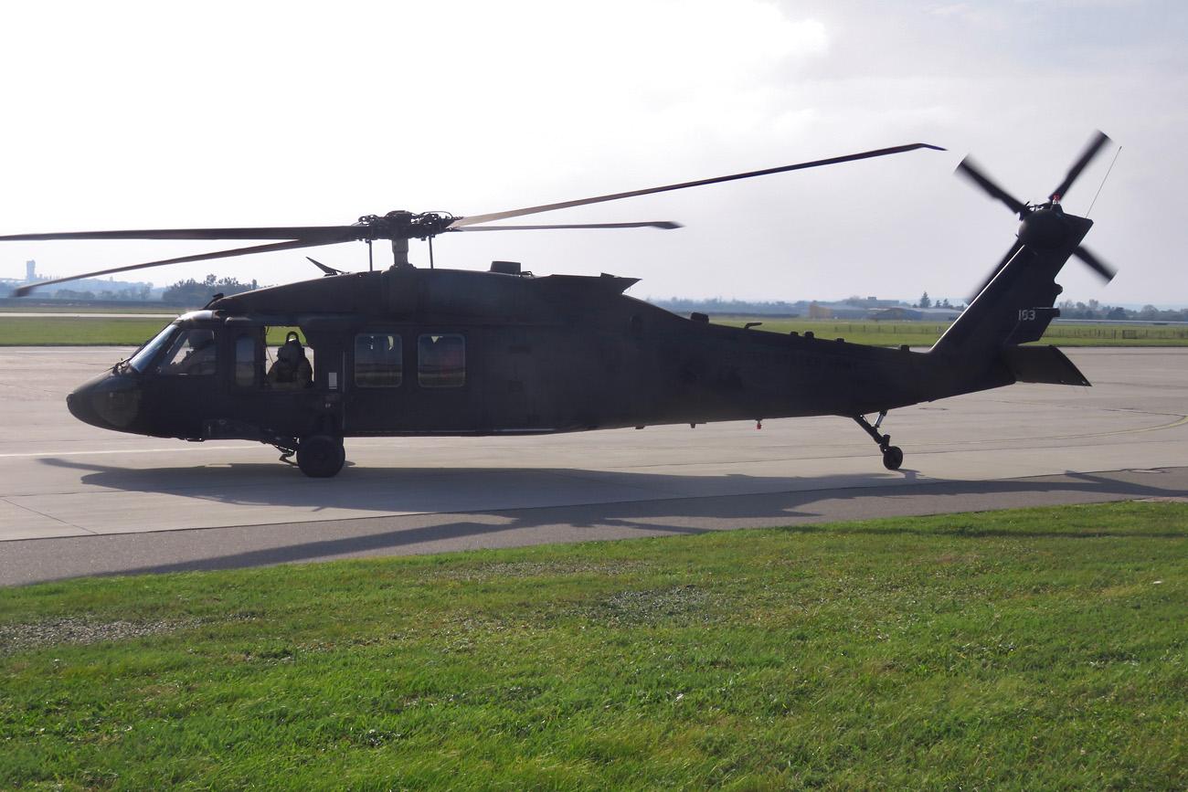 Sikorsky UH-60M Blackhawk (S-70A) - 09-20183